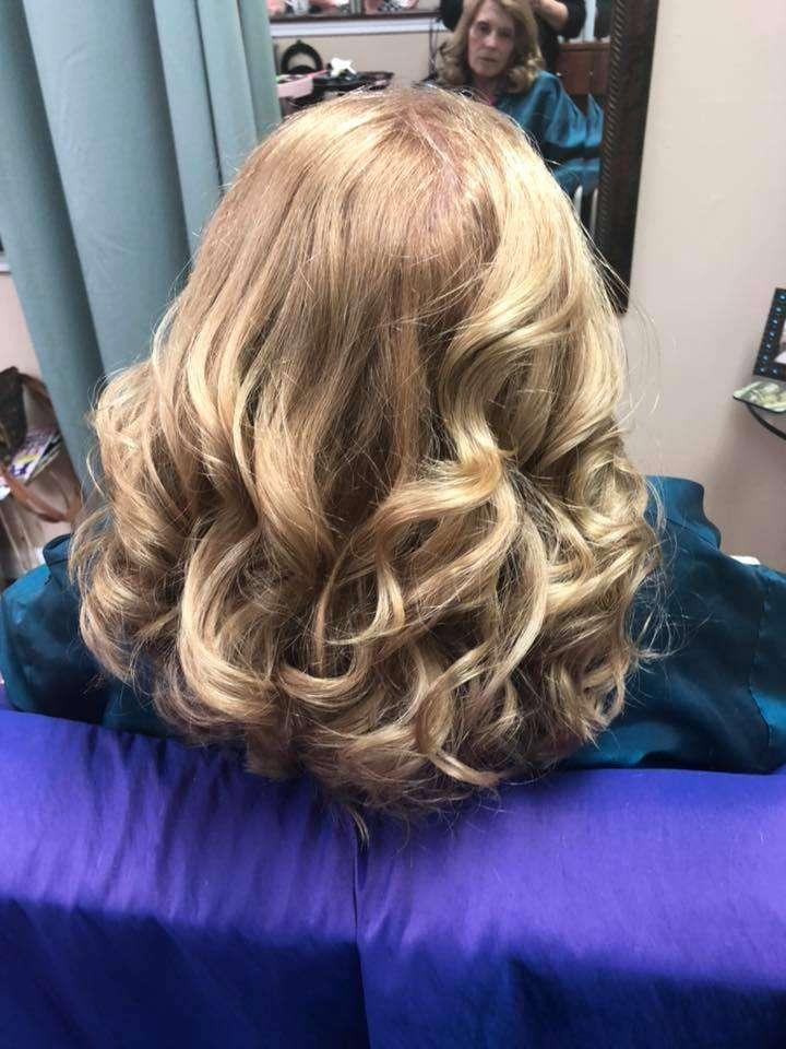 Beachy Waves Trending Hair Styles Englewood FL