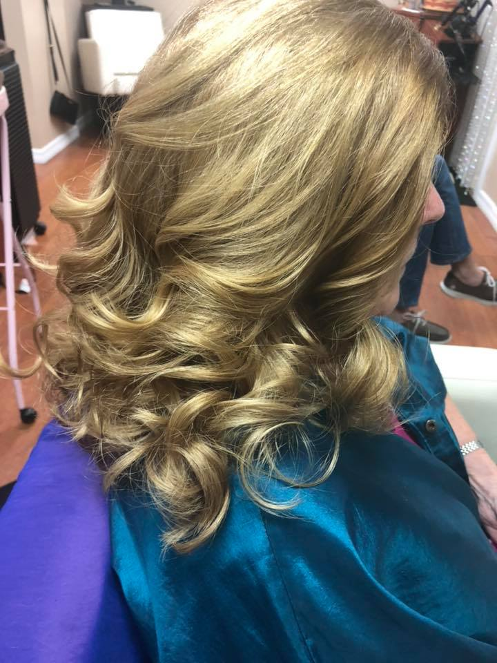 Beachy Waves Trending Hair Styles Englewood FL